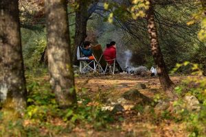 autumn 4830204  340 300x200 - キャンプの必需品